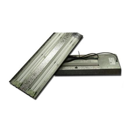 Бюджетный светильник для компактных флуоресцентных ламп